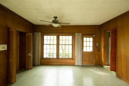 "Big ""wood"" vinyl windows!"
