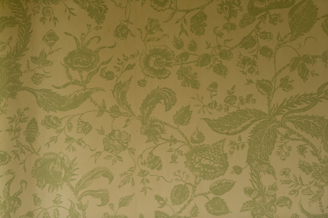 wallpaper in foyer
