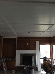 Start of the mantle trim with ceiling